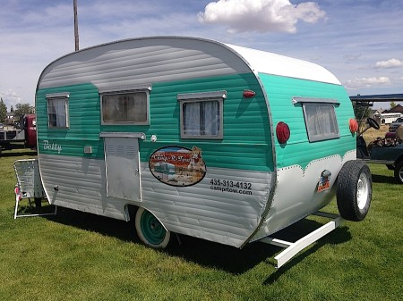 Dixie's Camp-R-Tow Betty from Starling Travel