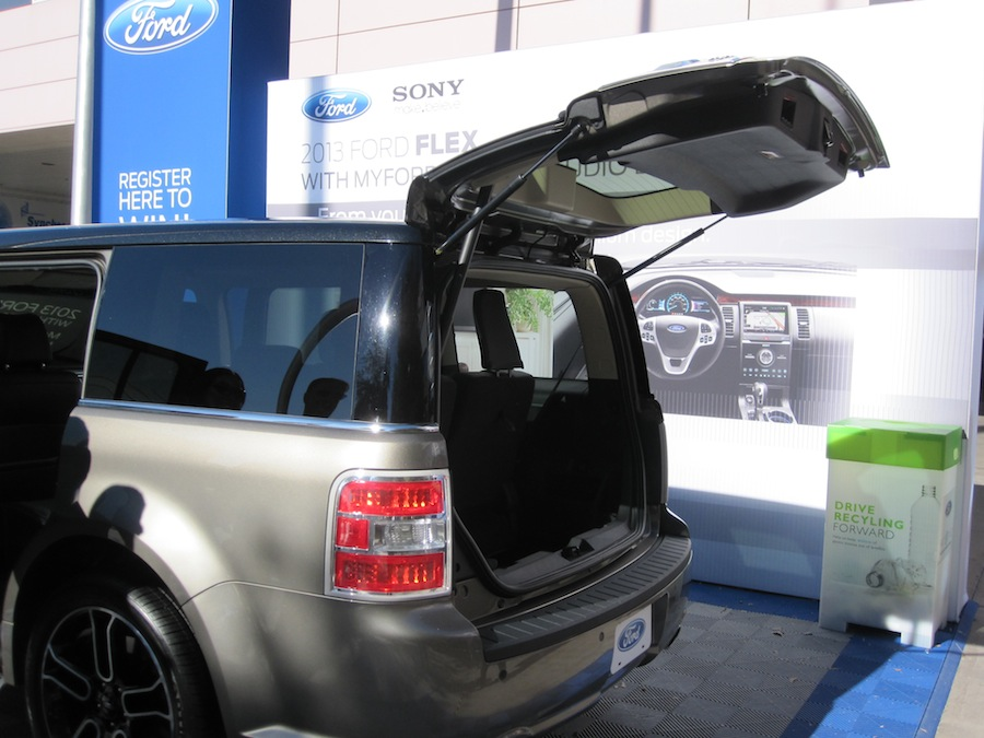 Starling Travel 187 Upal Auto Tent With A Ford Flex Could
