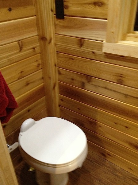 Open Trail Homes: Spacious Bathroom on Starling Travel