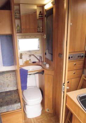 Heku Carcamp bathroom